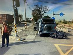 小貨車欲禮讓救護車 結果4車連環撞