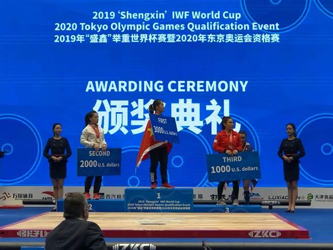 舉重女神郭婞淳在世界盃天津站越級挑戰64公斤量級奪下1金2銀好成績。(林敬能教練提供)