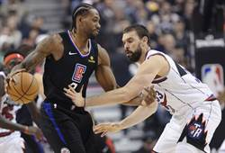 NBA》領完冠軍戒 里歐納德痛宰暴龍