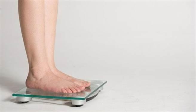 體重過輕對健康也會帶來風險,建議透過飲食和運動健康增重。(圖片來源:周書羽)
