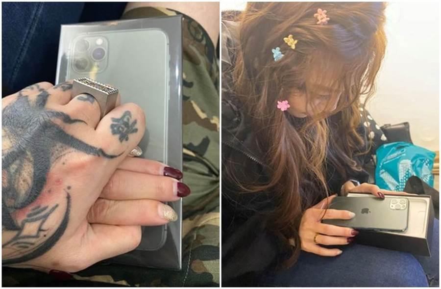 謝和弦照片中緊握女方的手,還送對方一台iPhone手機。 (圖/謝和弦臉書)