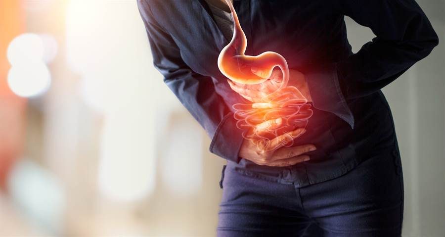 胃食道逆流怎麼辦? 醫師這麼說(示意圖/達志影像)