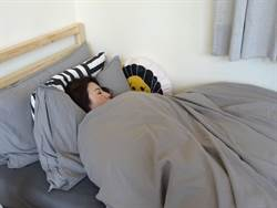 業者出奇招辦睡覺大賽 夜貓族搶「躺著賺」