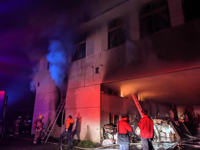 玉井一處一貫道的共修場所,凌晨疑似遭人縱火造成7人死亡的悲劇。(莊曜聰攝)