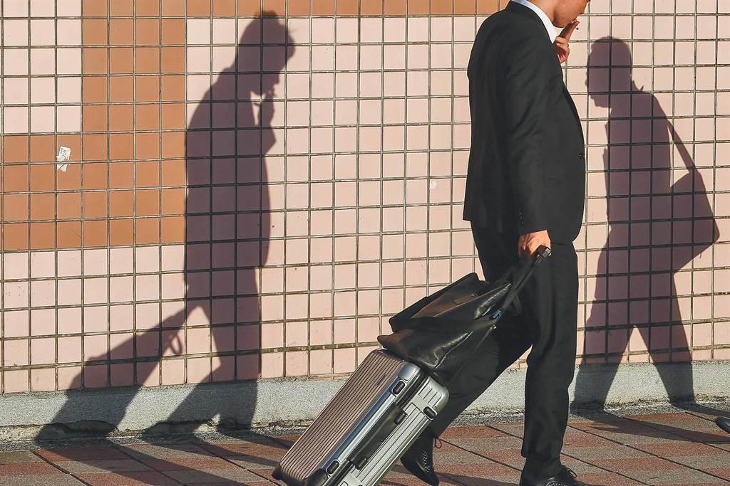 主計總處最新公布10月失業率統計顯示,20至24的青年失業率達12.86%。(鄧博仁攝)