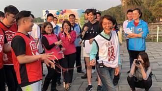 韓國瑜搶答自認「草包」 黃昭順嗨玩「夾手他人」