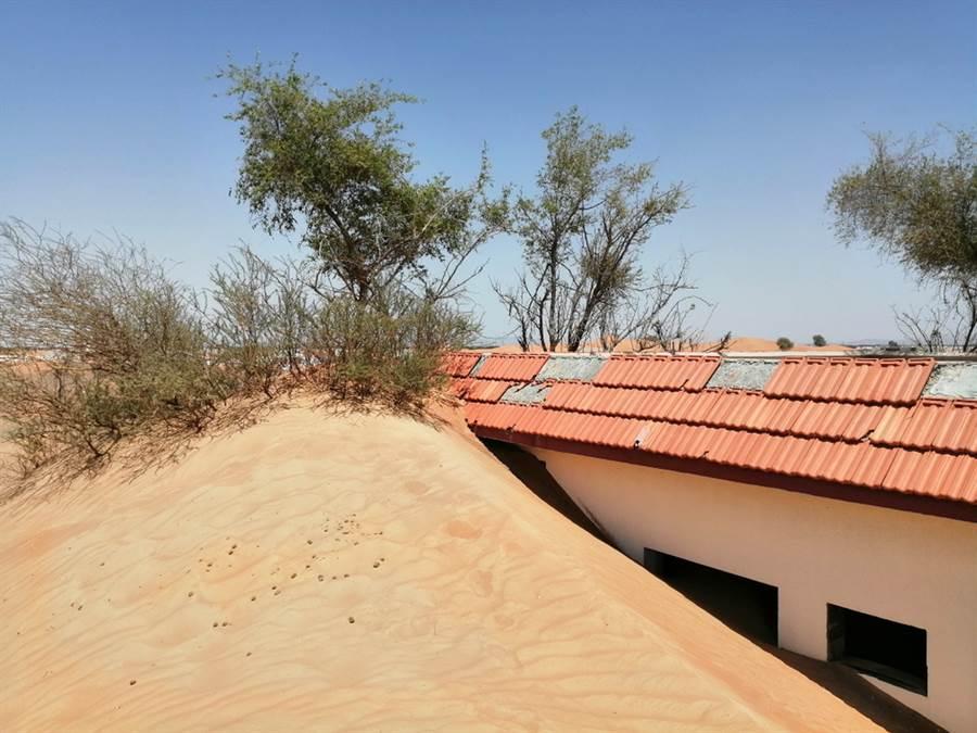 被活埋的沙漠小鎮 居民有門走不得(示意圖/達志影像)