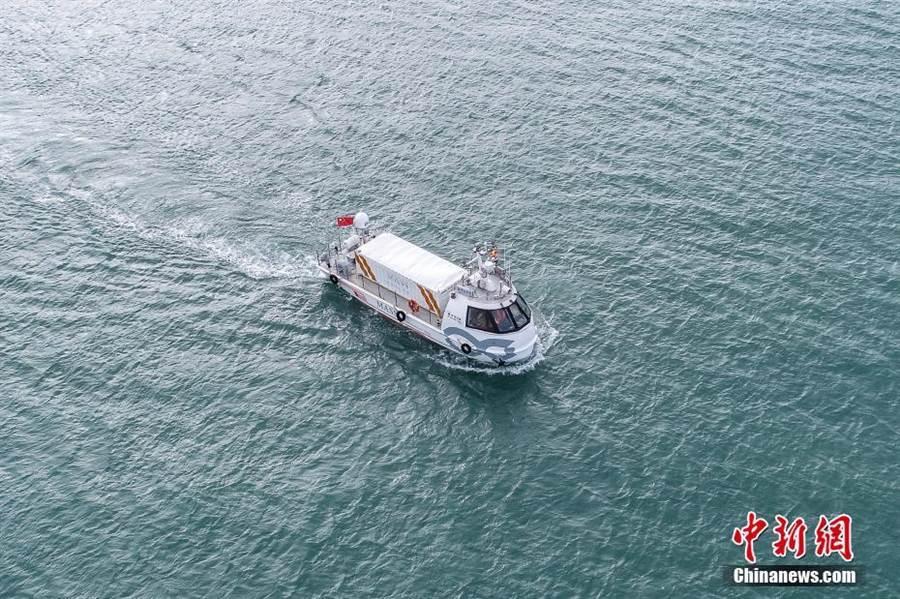 陸首艘自主航行貨船「筋斗雲0號」成功完成首航。(照片取自中新網)