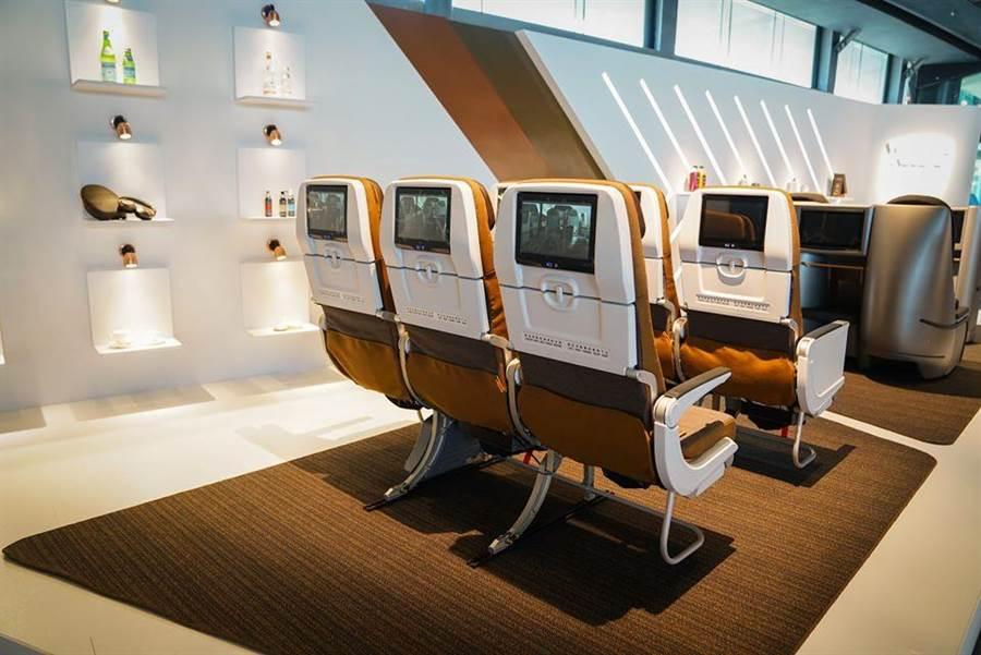 星宇航空經濟艙也有個人電視。圖:星宇提供