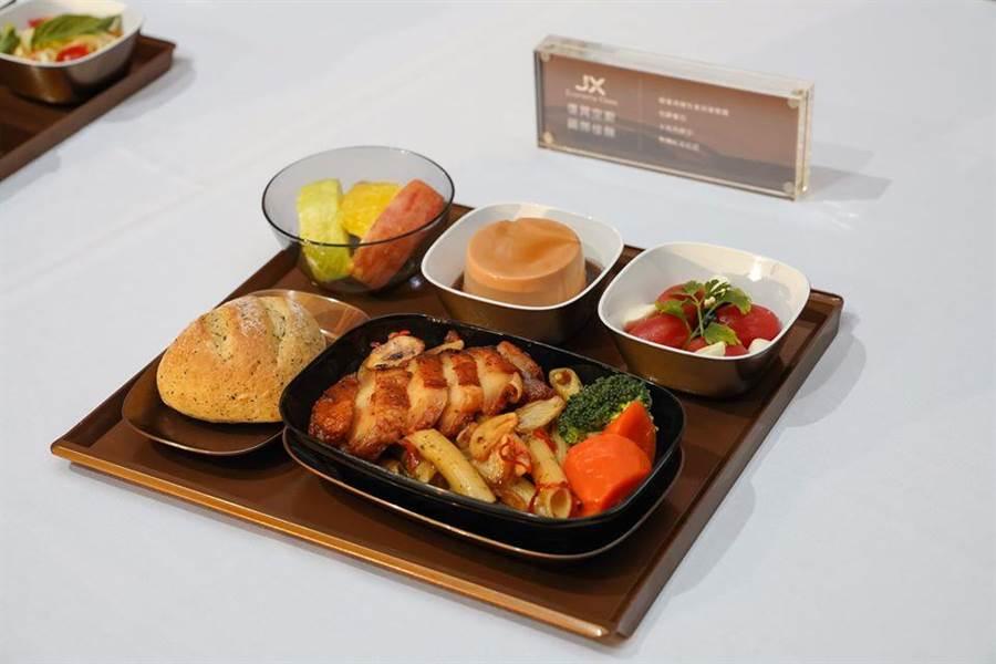 連3年獲得《The Miele Guide》亞洲美食評鑑指南的胡同燒肉是星宇經濟艙主菜之一。圖:星宇提供
