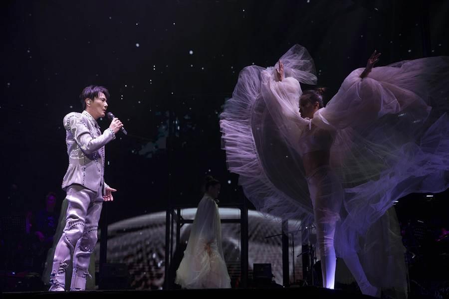 張信哲14、15日一連2天在上海開唱。(潮水音樂提供)