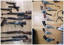 衣櫃竟是軍火庫 香港老婦家中搜出23把長短槍