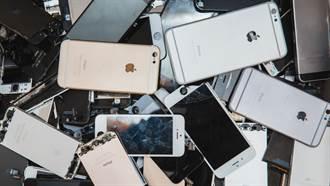 手機維修工憂失業 狂碾3千iPhone