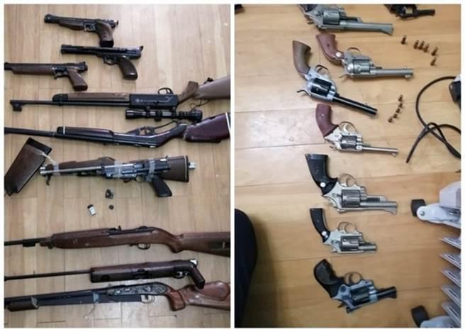香港一老婦整理亡夫遺物時發現大批槍枝。(圖/東網)