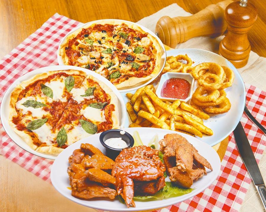 ALLEYCAT'S× foodpanda耶誕派對分享餐,4到6人餐原價1850元,特價1520元,含12吋披薩2個、綜合炸物拼盤、水牛城辣雞翅。(foodpanda提供)