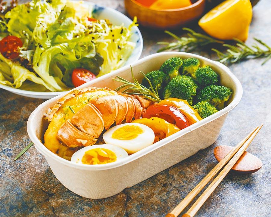 Deliveroo不分雙北市用戶評分TOP 5餐廳之一:生活倉廚,法式焗烤龍蝦藜麥餐盒599元。(Delivewoo提供)