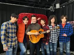 首度與知名YouTuber合作 蕭敬騰拿簽名喊:傳家寶