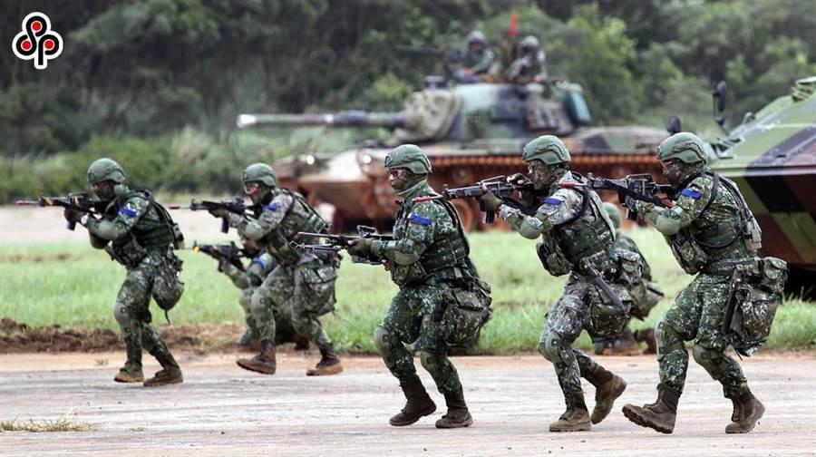 圖為今年5月29日漢光演習北部地區實兵對抗反機降演練在湖口登場。(本報系資料照片)
