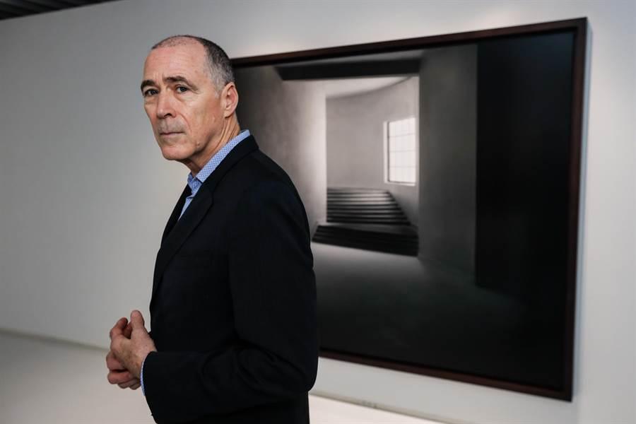 美國藝術家詹姆斯.卡斯貝爾運用建築模型攝影,以疏離的視線令觀眾融入作品。(忠泰美術館提供/李怡芸台北傳真)