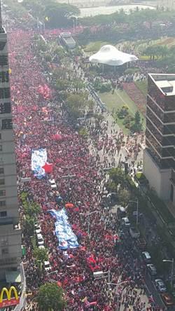挺韓遊行不只35萬人?網友推算結果驚人