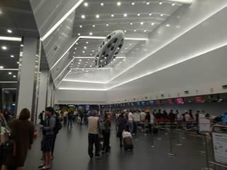 霧鎖台中機場 10多班飛機逾千旅客受影響