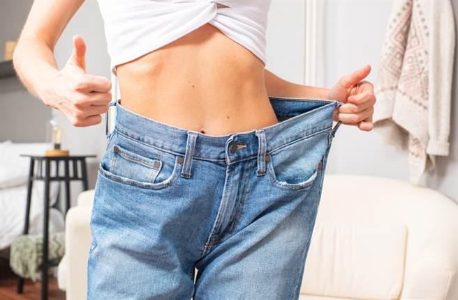 暴食女一年半激瘦95公斤 媽都認不出(示意圖/ 取自達志影像)