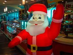 買聖誕老人公仔 開箱秒變2樓高巨物