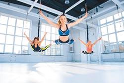 JX健身俱樂部 蹦極運動正流行