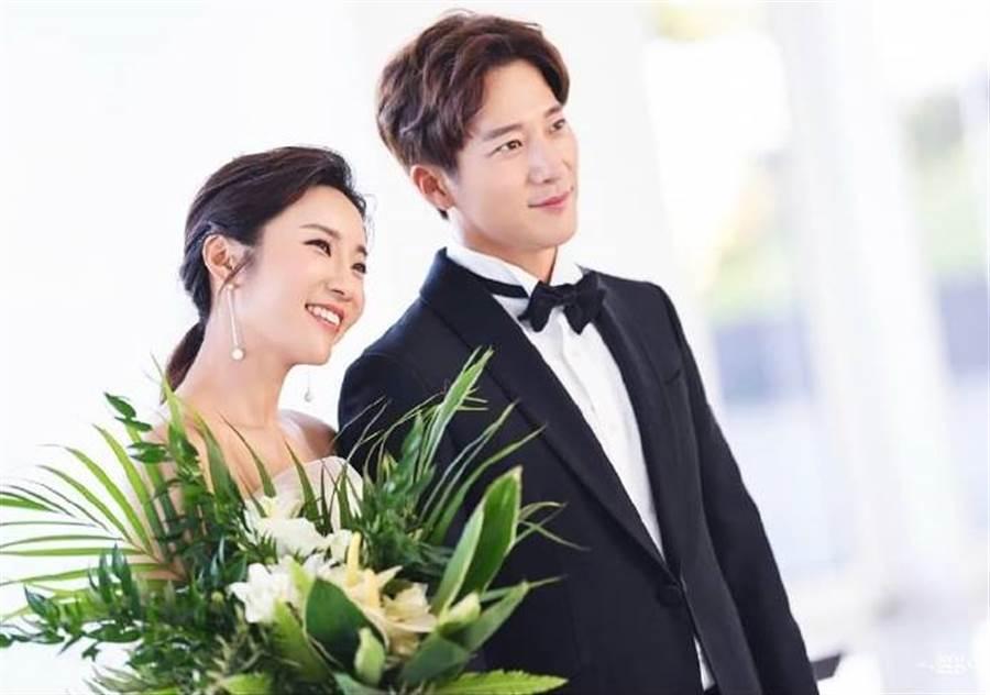 李莞與李寶美去年開始正式交往,今年決定步入禮堂,將在下周六結婚。(圖/翻攝自推特)