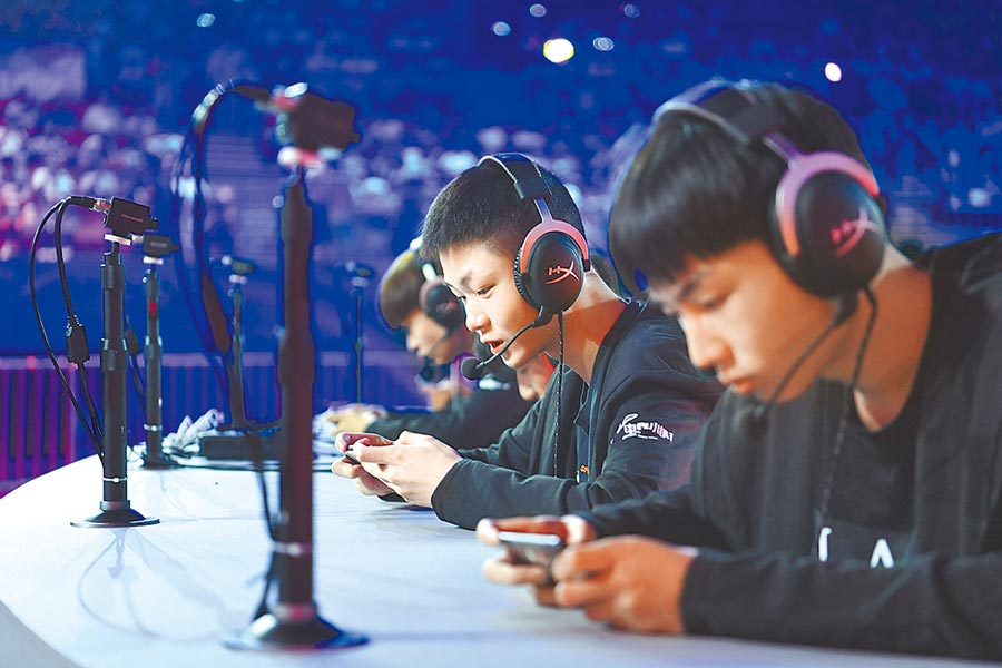 電競愛好者參加知名手遊海選。(中新社資料照片)