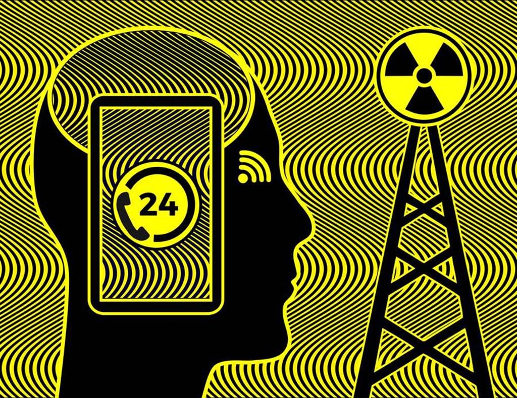 今年 8 月有多款手機被指出輻射超標,美國聯邦通訊委員會(FCC)對這些手機的二次驗證已經出爐。(達志影像/shutterstock提供)