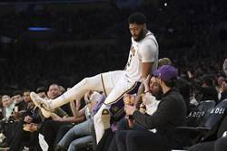 NBA》歐克利:一眉哥不應離開湖人