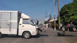 救護車載病患急診遭撞翻 貨車駕駛:沒聽到鳴笛