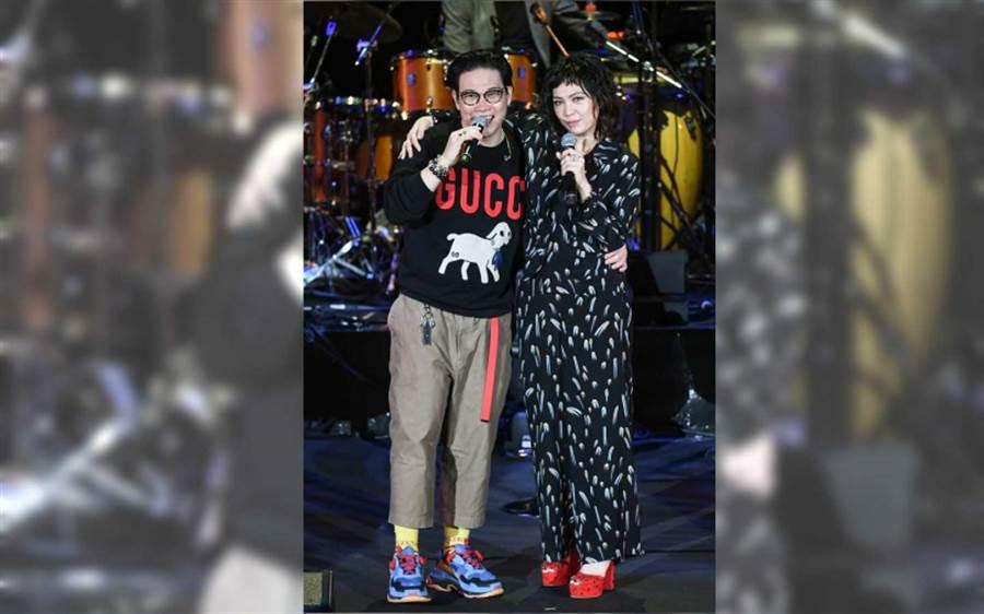 今年十一月陳潔儀終於來台開個唱,還邀請好友蘇永康與她合唱〈愛得正好〉。(圖/報系資料照)