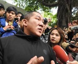 館長接受美媒專訪 大談舌戰網軍與愛民主