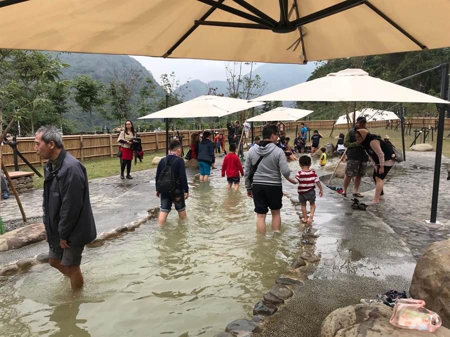 高雄六龜寶來花賞溫泉公園Plus版,2020年1月將開放試營運。(高市觀光局提供/柯宗緯高雄傳真)