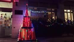 警交通錐搞創意 布置成聖誕樹好吸晴