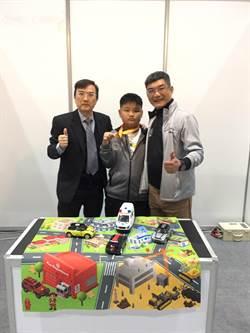 師公出馬指導 遠東科大校友小孩奪國際發明展銀牌
