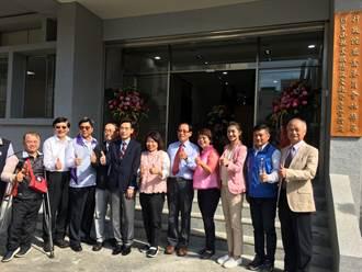 林鐵及文資處新辦公大樓揭牌 議員當人肉電梯