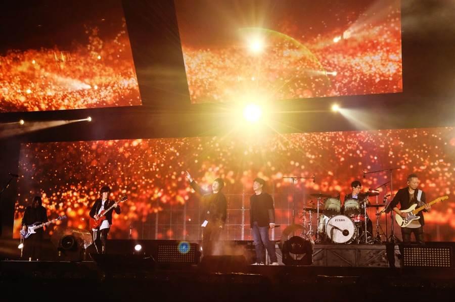 """五月天「Mayday Just Rock It!!!""""藍 BLUE""""」演唱會25日舉行第4場。(相信音樂提供)"""