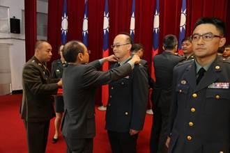 軍備局南區晉任授階暨授勳典禮  場面溫馨隆重