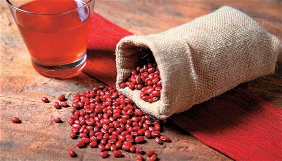從中醫角度看,紅豆水能利水、助排便、排除體內濕氣等。(圖片來源 : 陳昱任)
