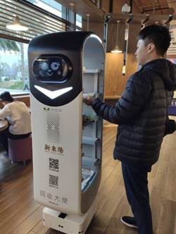 餐盤回收機器人進駐4大國道服務區 新奇科技造型好吸睛