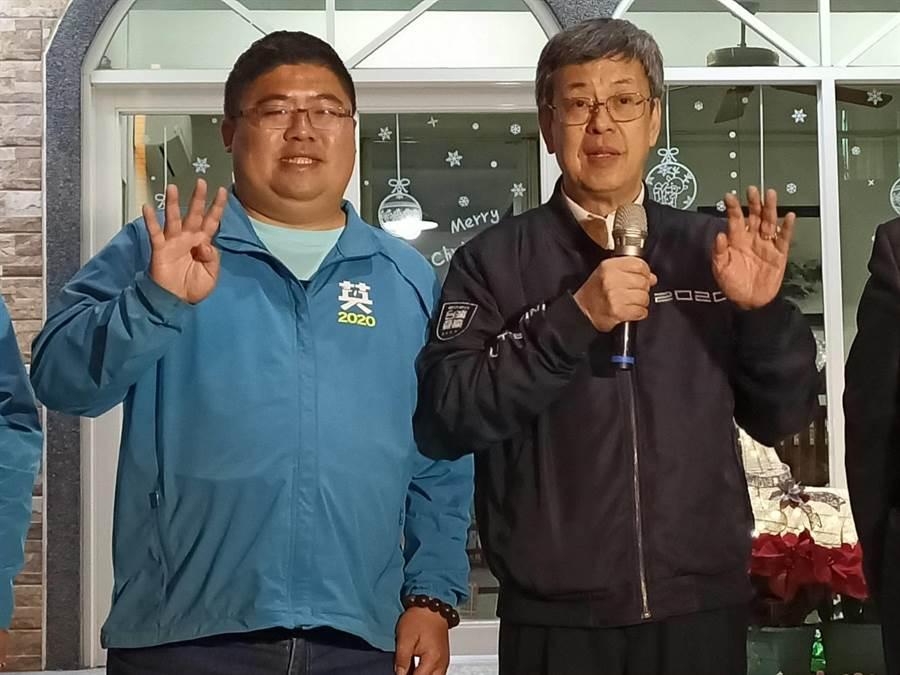 副總統陳建仁(右)也南下為蔡易餘(左)輔選。(張毓翎攝)