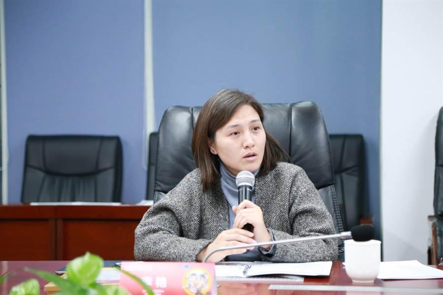 北京市公園管理中心文創專班負責人 李艷- 更多從市場層面考慮,作品與景區的文化貼合度、文化內涵度、文化傳播度,都要很高。
