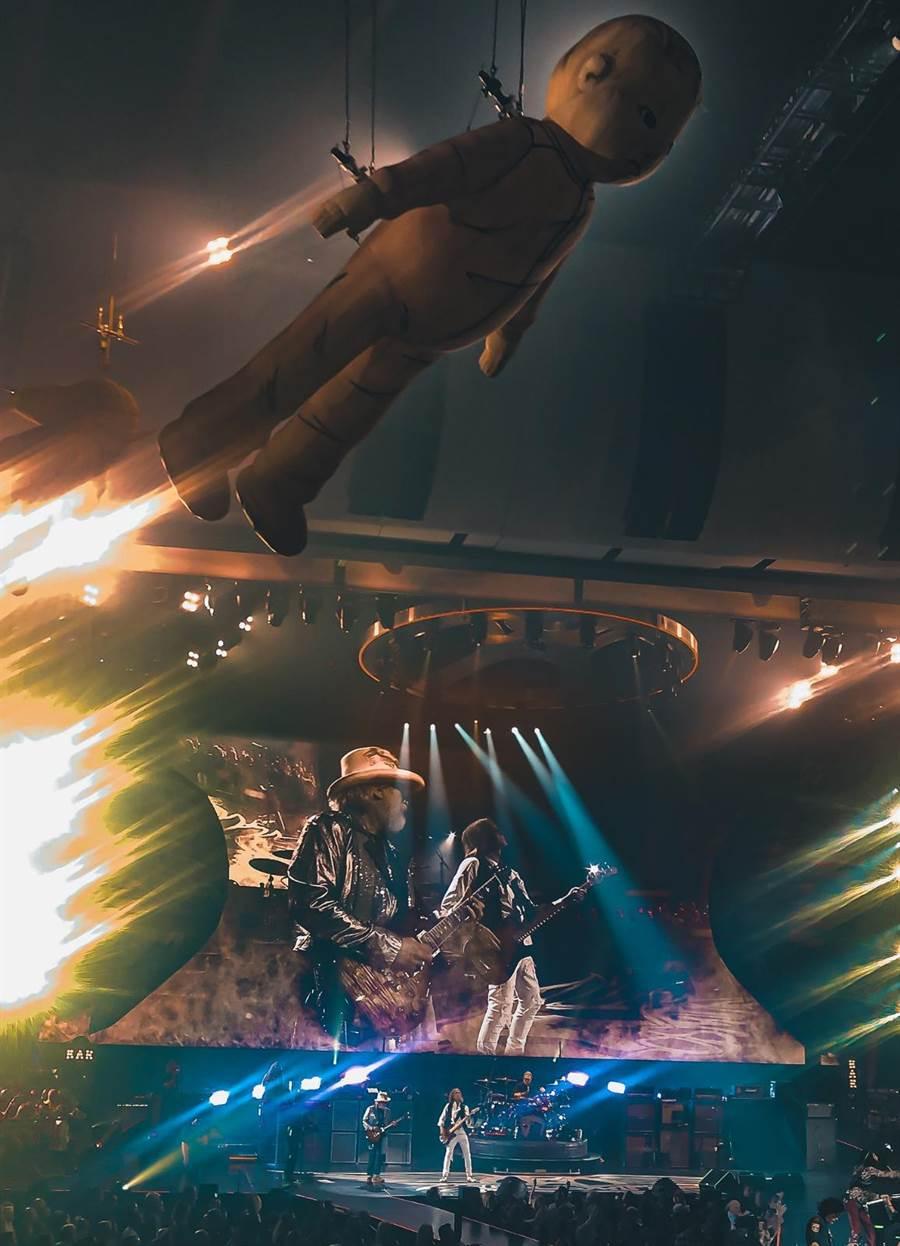 Aerosmith演唱會融合視覺與聽覺設計,十分吸睛。(艾歐音樂提供)
