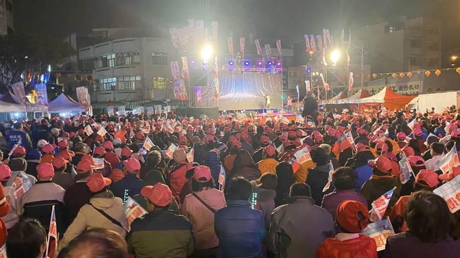 楊瓊瓔舉辦潭子競選總部晚會,潭水亭觀音媽廟前廣場湧入爆棚群眾,