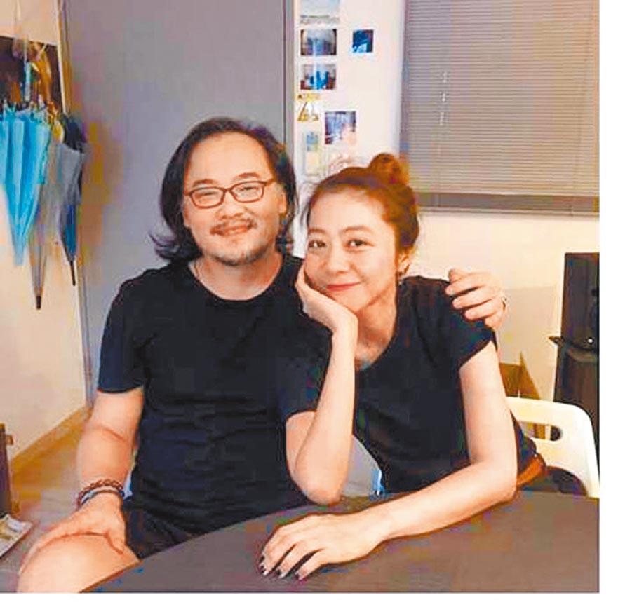 陳綺貞(右)與鍾成虎分手後曾在IG和臉書上傳合照證明好關係。(摘自IG)
