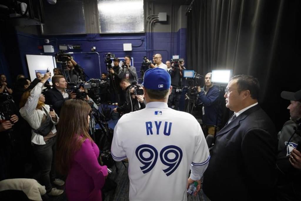 柳賢振將披上藍鳥99號球衣。(美聯社)