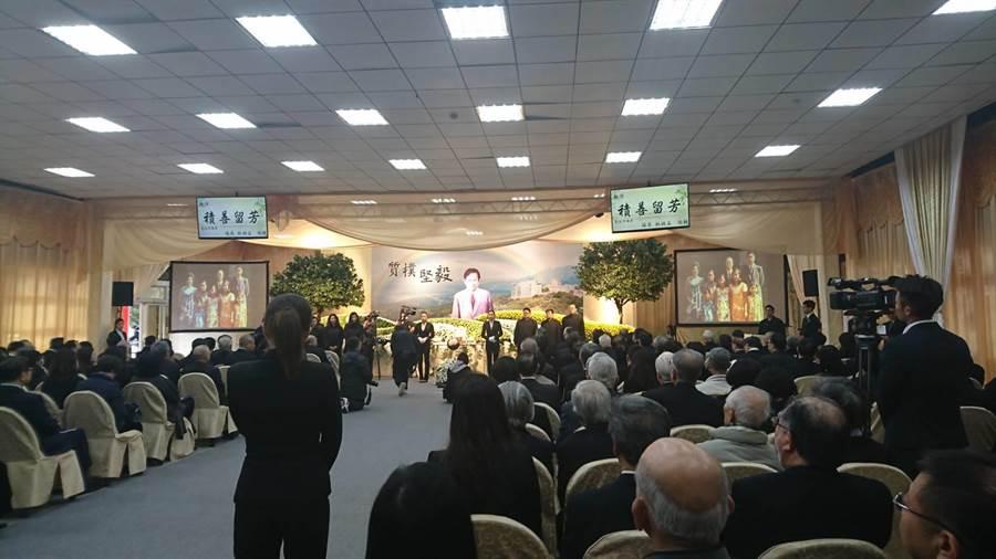 文化大學董事長張鏡湖今(28)日在台北市立第一殯儀館舉行告別式祭追思會。(李侑珊攝)